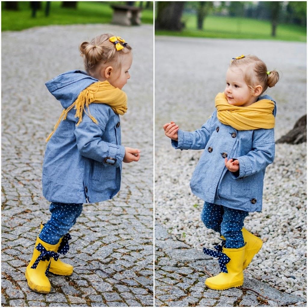 żółte kalosze, kalosze z kokardkami, kalosze next, pałac romantyczny turzno, płaszczyk zara, zara baby, wikilistka, moda dziecięca, blog moda dziecięca, dziecięce stylizacje, jesienny outfit dla dziecka