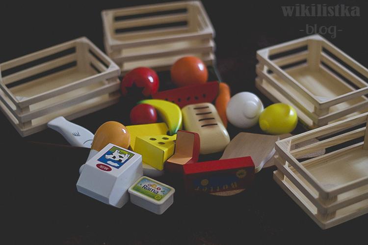 drewniane jedzenie, drewniana kuchenka dla dzieci, kuchenka dla dzieci, drewniana kuchnia diy, filcowa pizza, pizza, filc, zabawki filcowe, akcesoria dla dzieci, melissa & dough , wikilisyka, wikilistka.pl