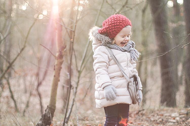 wikilistka, moda dziecięca, blog o modzie, stylizacje dziecięce, wikilistka blog, wikilistka.pl, dziecko w lesie, dziewczynka w lesie, kalosze ze wstążkami, zara, zara baby, zara kids, puchowa kurtka, kalosze