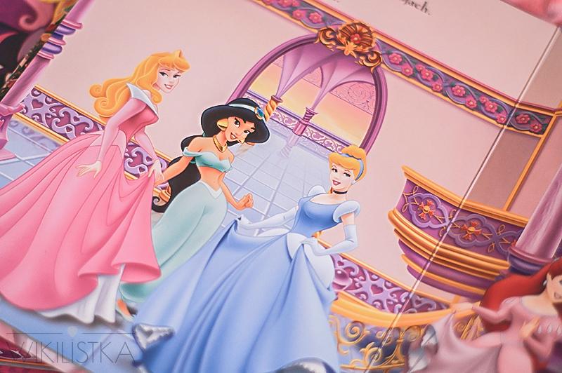 książka z figurkami, tania książka, kubuś puchatek, księżniczki disney figurki, my little pony figurki