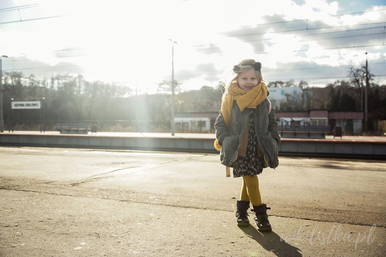 Projekt 365, żółty szalik, zielona kurtka
