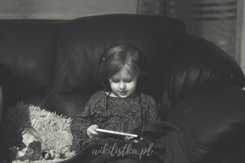 Dziecko, zdjęcie czarno-białe, noir