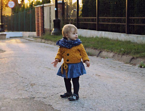 jesienny outfit, ubranie na jesień, moda dziecięca