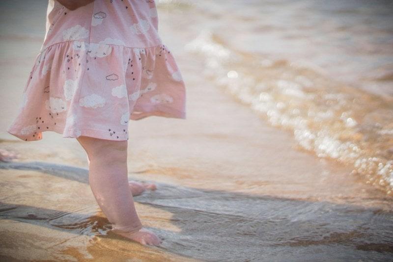 Plaża, moda dziecięca, NoSweet, dziewczynka, nad morzem, sukienka na lato