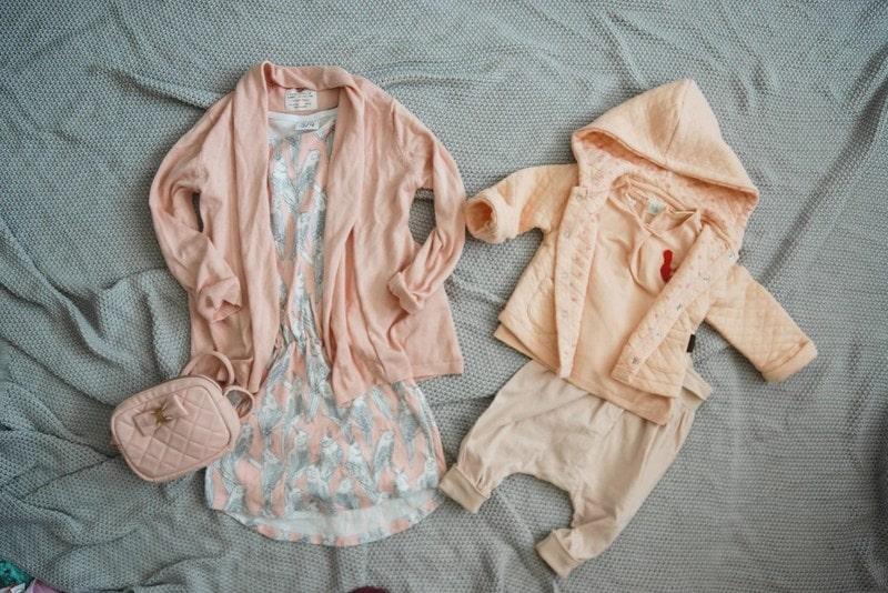 pakowanie torby, jak spakować torbę, moda dziecięca, blog parentingowy