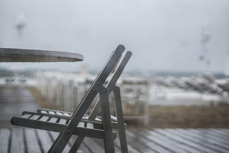Projekt 365 krzesło deszcz