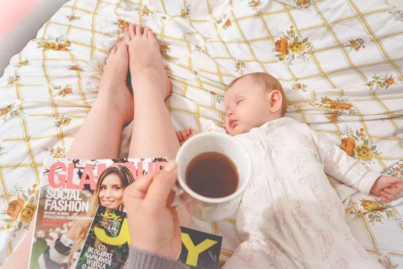 fotografia lifestylowa Trójmiasto, szczęśliwa mama, Mia