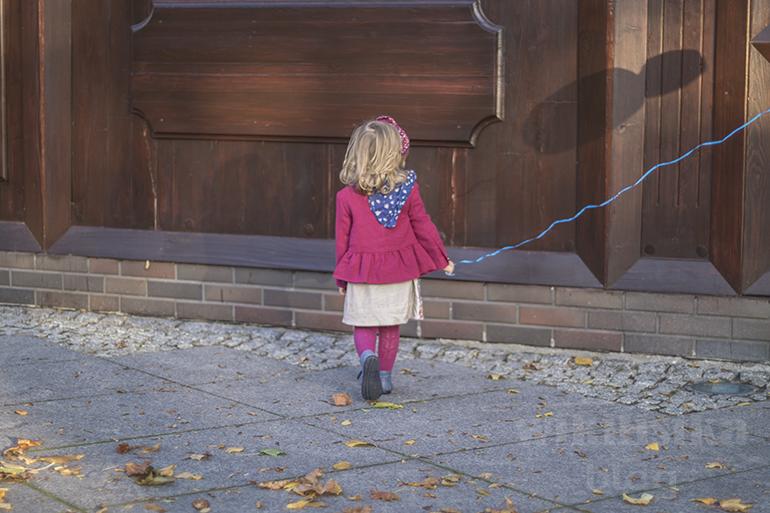 stylizacja dla dziecka, outfit dziecięcy, moda dziecięca, dziewczynka w sukience, sukienka mayoral, blog moda dziecięca, wikilistka.pl
