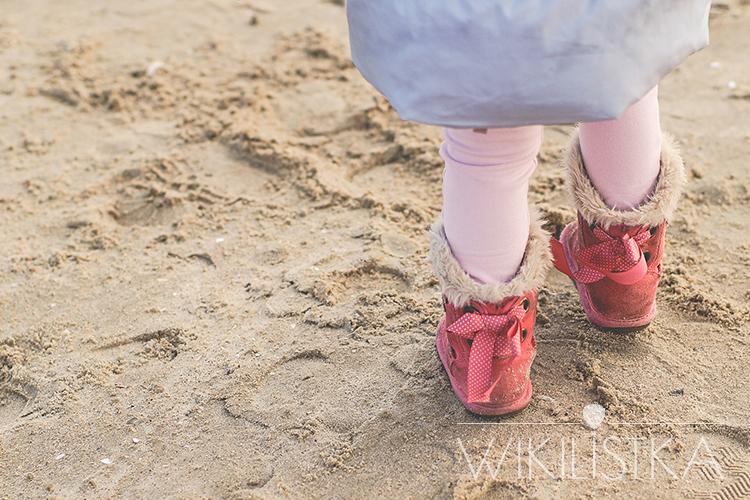 zrób-to-zrób-to-wikilistka-3, kozaki z kokardkami, emu dla dzieci, znext, zara kids, puchowa kurtka, zara aw14, wikilistka, moda dziecięca, bałtyk, plaża, nad morzem