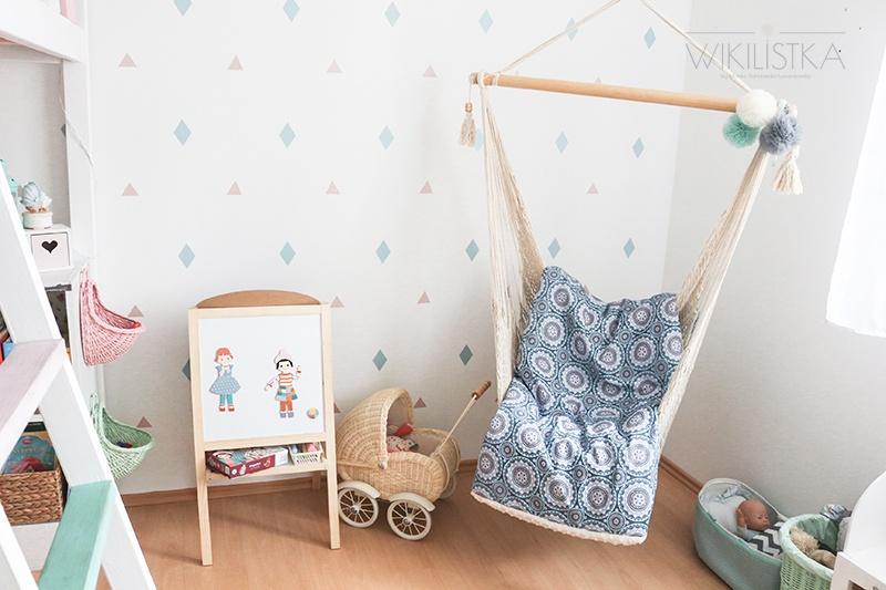 fotel-hamak-w-pokoju-dziecka