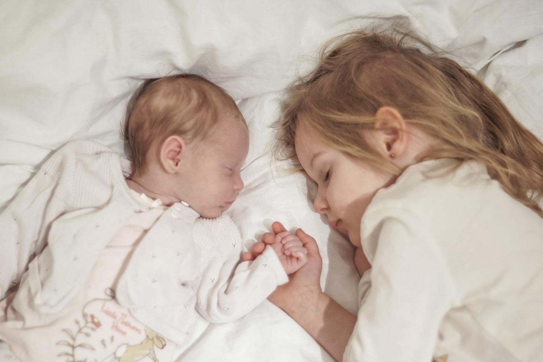Rodzeństwo, dzieci, spanie razem