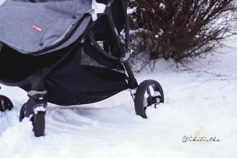 baby monsters, baby monsters compact, lekka spacerówka, wózek spacerowy, wózek, recenzja, amortyzowane koła, wypinane koła