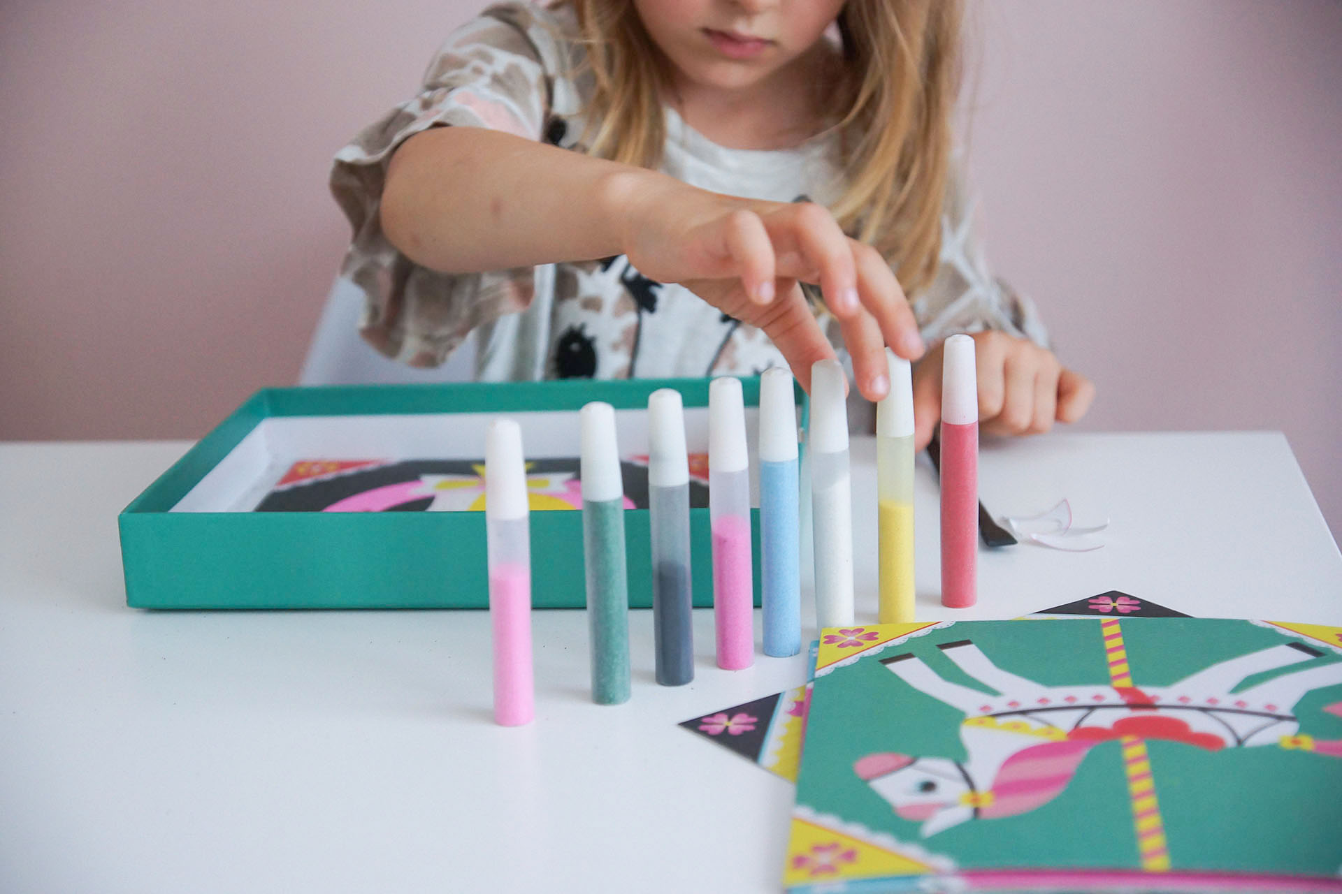 zestawy artystyczne dla dzieci, janod, magiczny piasek