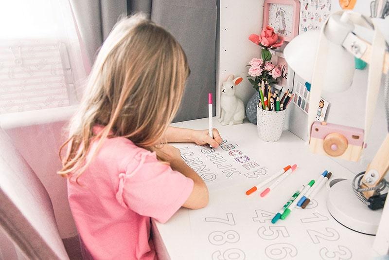 Jak nauczyć dziecko liter i cyfr? Pomocne wskazówki