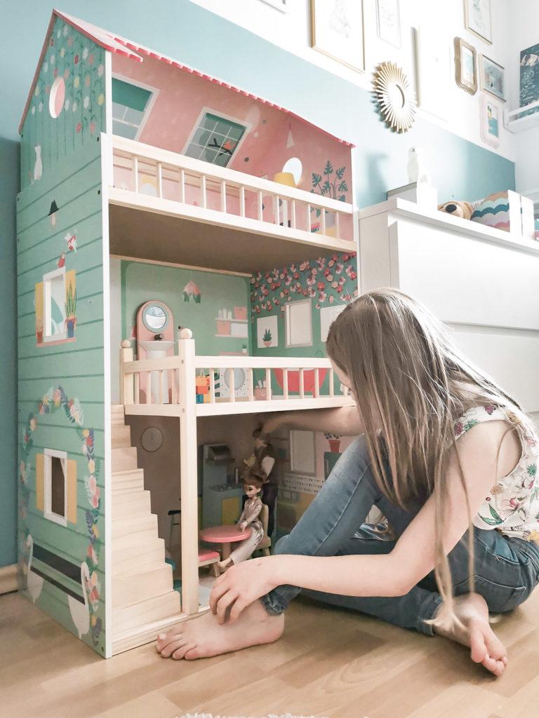 drewniany domek dla lalek janod